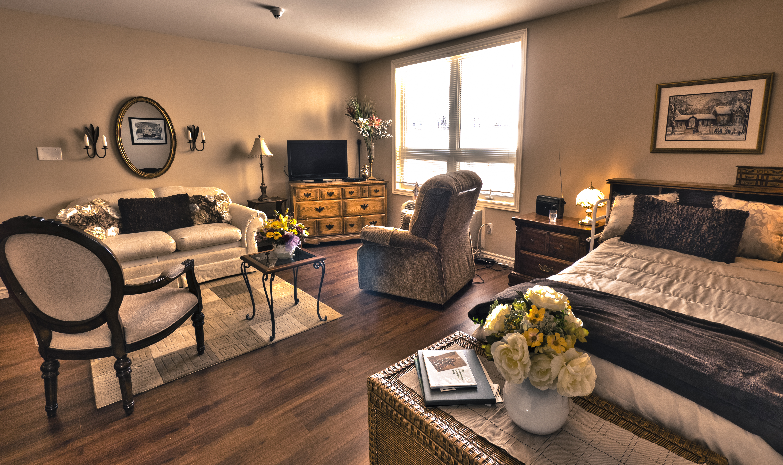 Bachelor Suite - Red Oak Villa